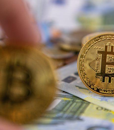 Bitcoin zakt na explosieve stijging: nu minder dan 10.000 dollar waard