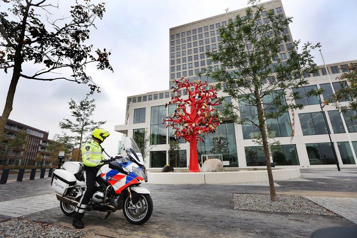 Politie rondom de rechtbank van Breda voorafgaand en tijdens de inhoudelijke behandeling van de strafzaak tegen Klaas Otto.