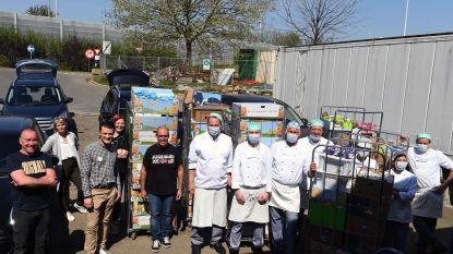 Supermarkten Delhaize Heverlee en Kessel-Lo schenken samen paaseitjes aan UZ Leuven