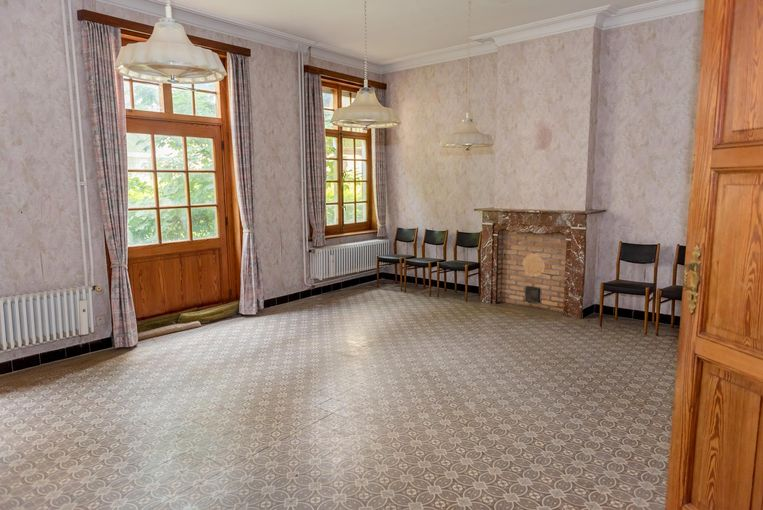 Dit wordt een hotelkamer. Oude elementen, zoals de mozaïektegels, blijven behouden.