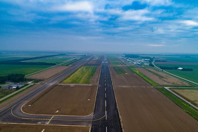 Nieuwe start/landingsbaan van Lelystad Airport