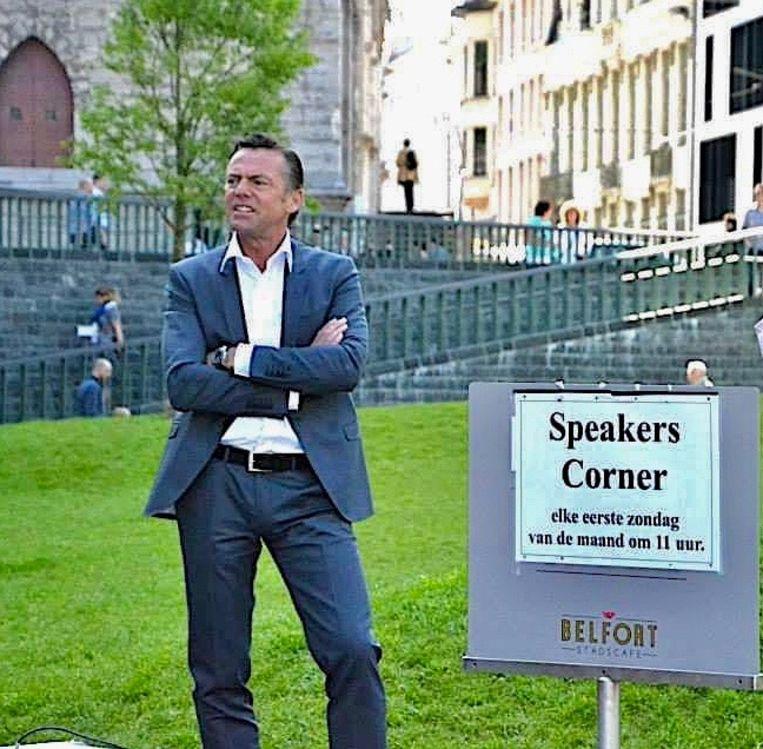 Guy Reynebeau van Speakers Corner, dat voortaan onder de Stadshal plaatsvindt