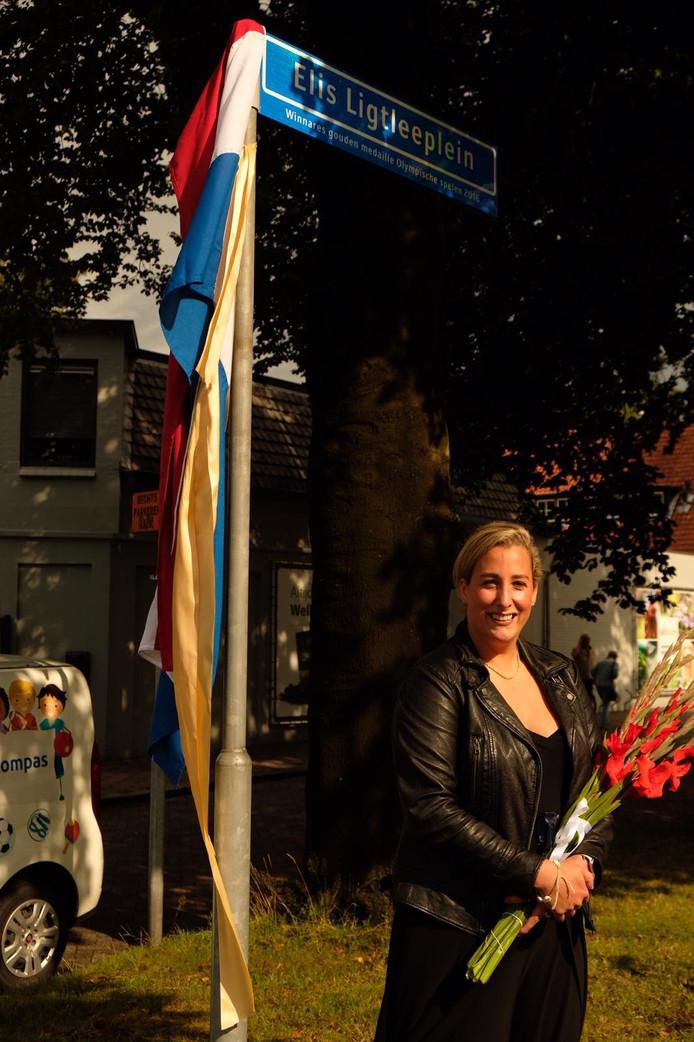 Elis Ligtlee heeft haar eigen plein in Eerbeek: het Elis Ligtleeplein.