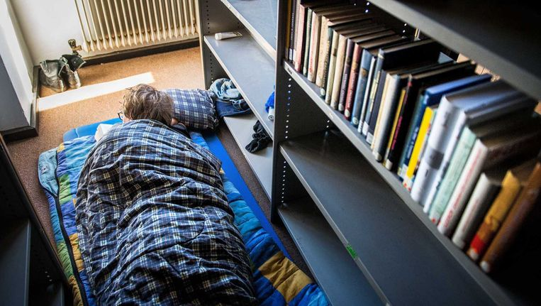 Een slaapplek van een student in het Bungehuis, het gebouw van de faculteit geesteswetenschappen van de Universiteit van Amsterdam. Beeld anp