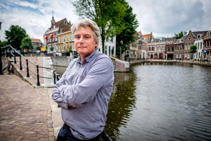 (C) Roel Dijkstra Fotografie / Foto Fred Libochant  Schiedam / Andreas Rose, het Schiedamse raadslid dat sinds afgelopen weekend partijloos is