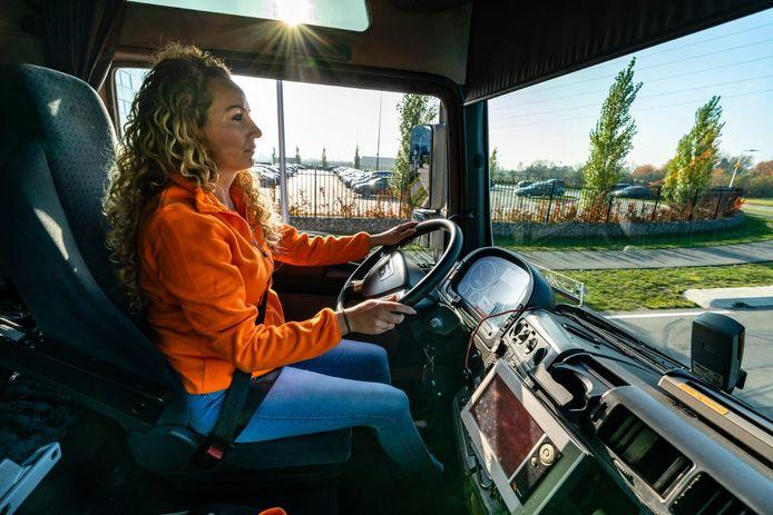 Hayley van den Brink - Pijman is chauffeur bij Nabuurs.