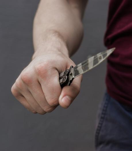 Jongen (15) aangehouden die tieners met steekwapen bedreigde in Viaanse speeltuin