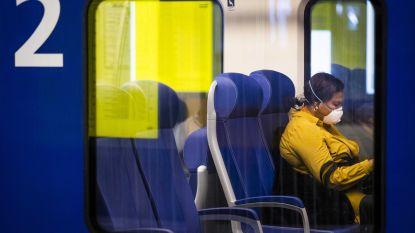 1,5 meter afstand lukt niet: reizigers weigeren te volle trein te verlaten in Nederland
