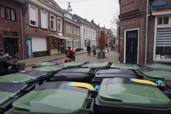 Gele kaarten aan de Noordstraat.