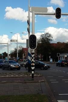 Veel getoeter op Leenderweg in Eindhoven door uitgevallen verkeerslichten