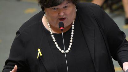 Riziv keurt gezondheidsbegroting af, regering onthoudt zich bij stemming