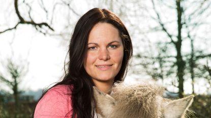 Vier jaar na haar deelname aan 'Boer zkt. vrouw' is ex-kandidate Kelly getrouwd