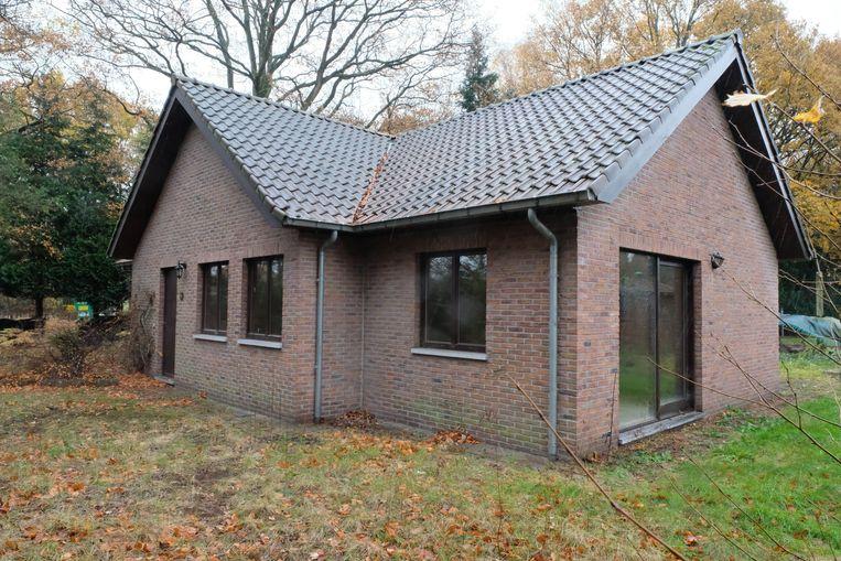 De vroegere conciërgewoning van kerkhof Kloosterheide wordt verkocht door de stad Lier.