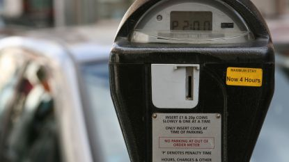 Dyson-bende rooft parkeermeters in Londen leeg met stofzuiger