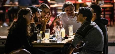 Kroegen in Randstad om 01.00 uur dicht, na middernacht licht aan in cafés