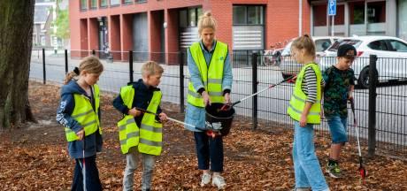 Wijkhelden hebben in Den Bosch een grijpstok, gele hesjes en vuilniszakken (en zijn vaak kinderen)