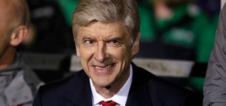 Wenger geniet van krappe kleedkamer bij Sutton United