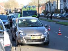 Fietsster geschept door auto in Apeldoorn