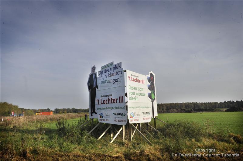 Nieuwbouw op bedrijventerrein 't Lochter 3 in Nijverdal langs de N35 loopt vertraging op vanwege de stikstofproblematiek.