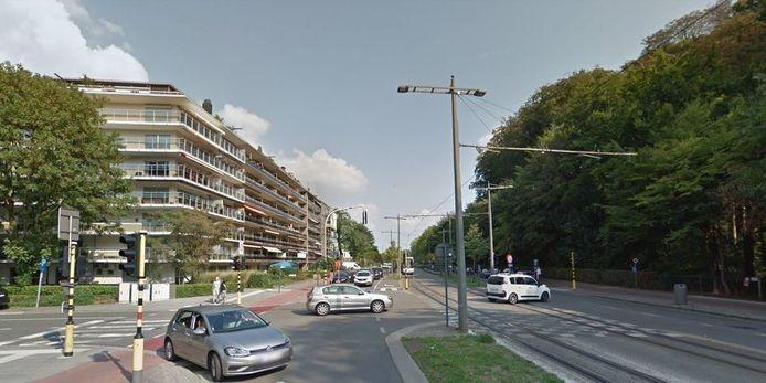 Het kruispunt van de Turnhoutsebaan met Ter Rivierenlaan.