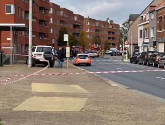 Mogelijk gewapende man ingerekend die zich verschanste in gebouw aan Koning Nobelplein in Gent: omgeving afgezet, speciale eenheden moesten geen geweld gebruiken.