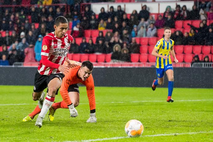 Mauro Junior in actie tegen RKC, waar hij de 2-1 voor PSV maakte.