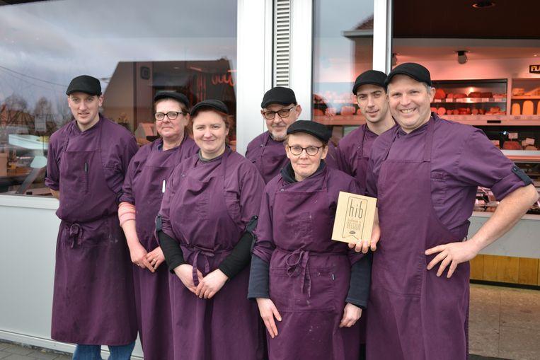 Slager Geert Van Nechel  en zijn werknemers voor de deur van Verswinkel Nechly.
