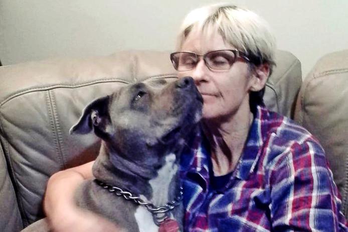Tamra en haar hond waren de eersten die gered werden.