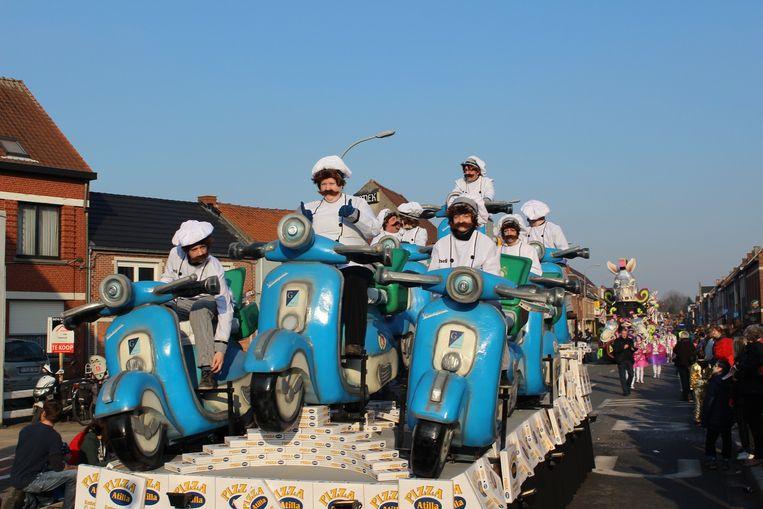 Zondag trekt de jaarlijkse carnavalsstoet door de straten van Lokeren.