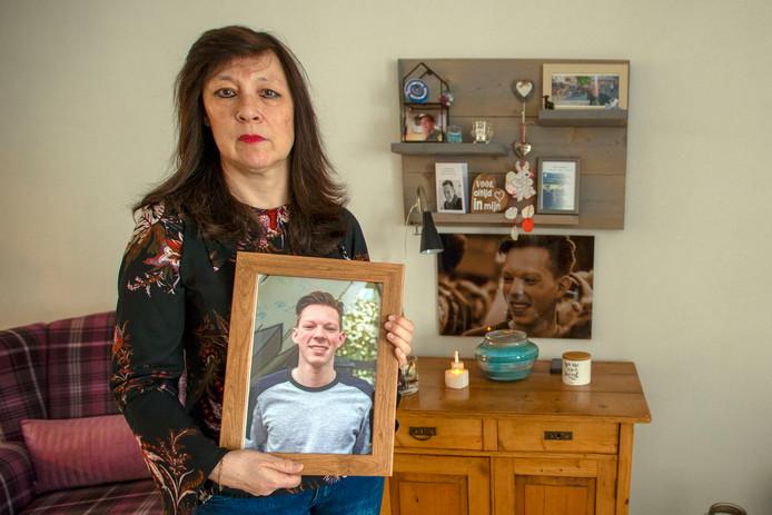 Yvonne van Bokhoven verloor haar zoon Daniël aan een meningokokken-infectie.