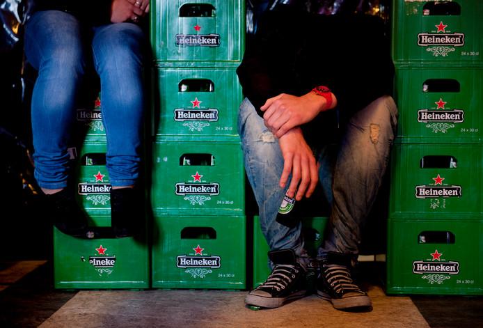Jongeren onder de 18 zouden helemaal niet moeten drinken, zegt de gemeente Etten-Leur. Die stelt binnenkort een nieuw beleid vast dat drankproblemen in de gemeente moet voorkomen. ANP XTRA ROOS KOOLE