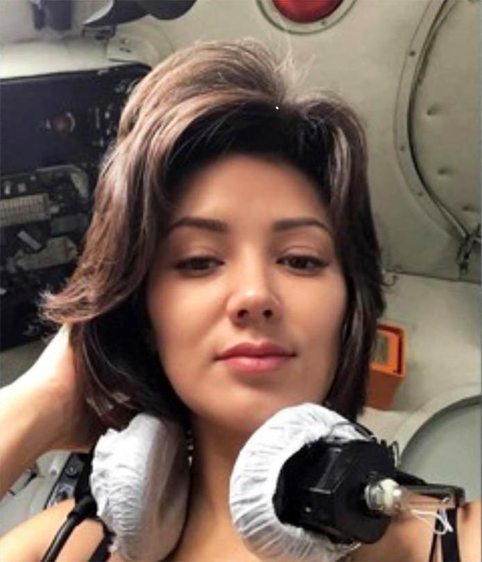 'Anna' op een van de foto's die ze in de cockpit maakte en op haar Instagram plaatste.