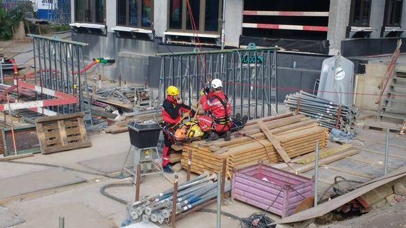 RED-team oefent op redding uit torenkraan.