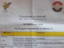 Countdown to kick-off voor Willem II. Om 18.26 uur: snelwandelen van kleedkamer het veld op