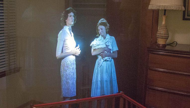 De Pepper's Ghost-methode wordt gedemonstreerd in het Ruth Paine House Museum in Irving. Beeld ap