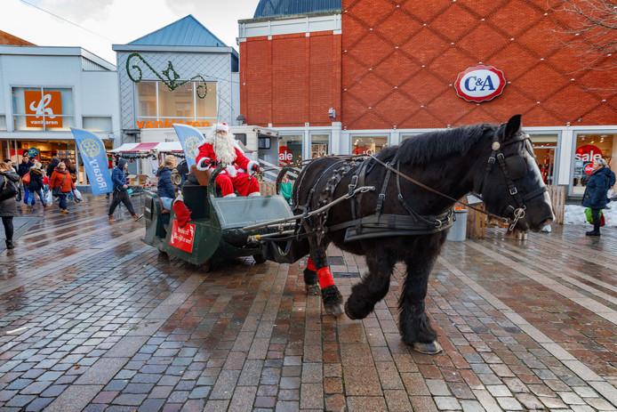 De Parade in kerstsfeer, met arrenslee en spelletjes voor de kinderen bijvoorbeeld.