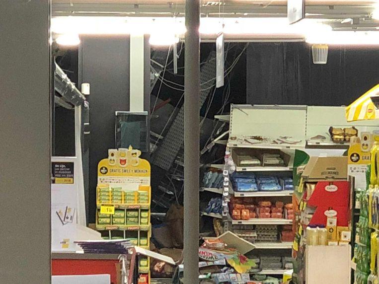 De ravage in de winkel is intussen opgeruimd.