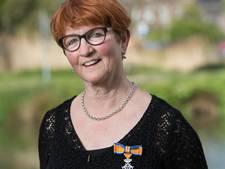 Jeanne van de Wiel-van den Biggelaar uit Boxtel ontvangt lintje