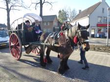 Gestelse wethouder trouwt voor de vierde keer in carnavalske sfeer in Berlicum