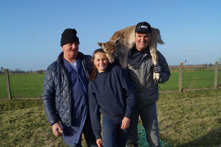 Walter, Xavier en Aurélie Rammant vangen jaarlijks 300 hertjes, op een diervriendelijke manier.