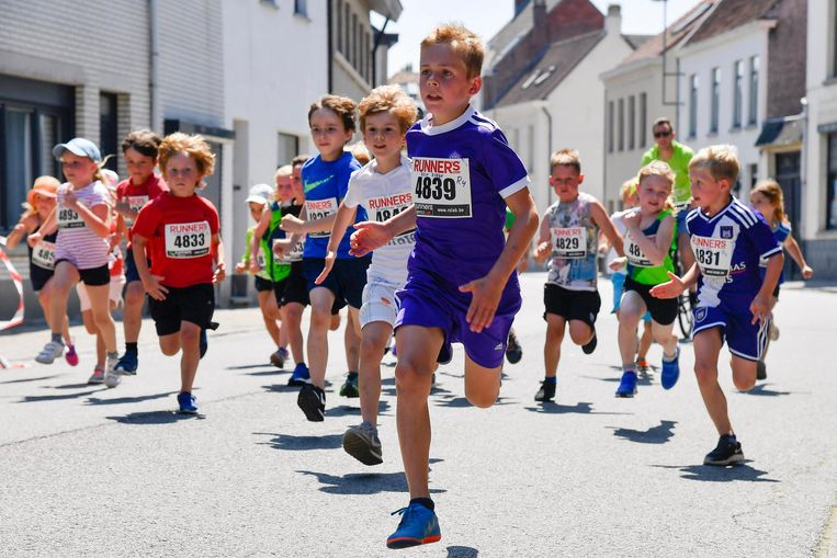 Deze kinderen geven alles tijdens de Vierschaarloop.