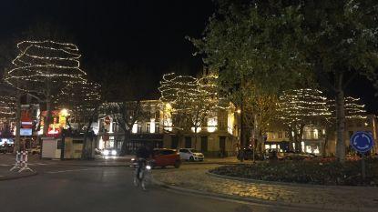Kerst is in de stad, want de lichtjes branden