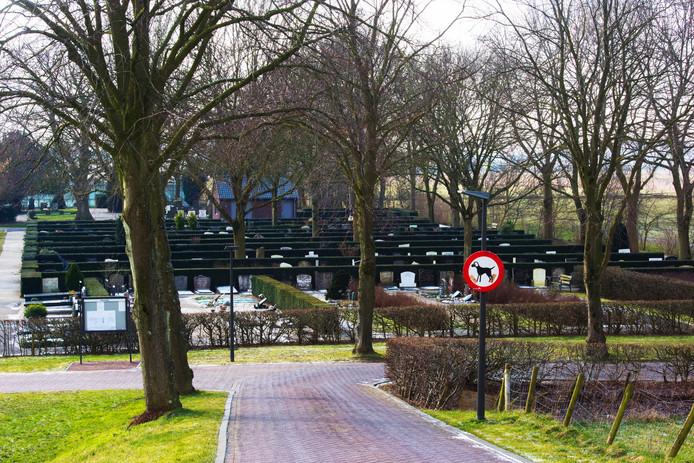 De Sleeuwijkse begraafplaats aan het Kerkeinde.