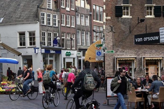 Winkelen in het centrum van Zwolle. foto Tom van Dijke