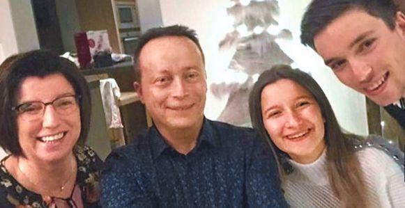 Bjorg met zijn moeder Anje, vader Kurt en zus Britt, tijdens de laatste kerst met hun vieren.