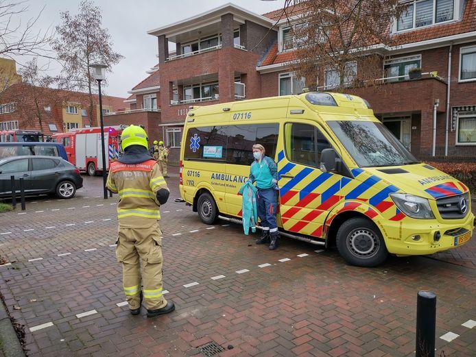 Hulpdiensten bij het appartementencomplex in Ede.