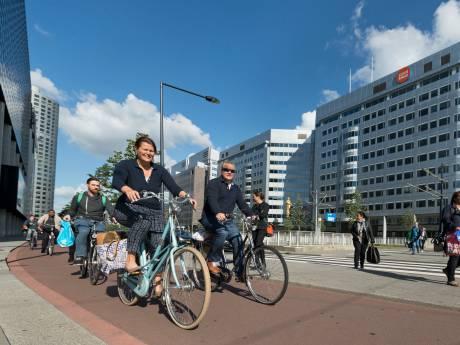 We pakken steeds vaker de tram, metro of fiets