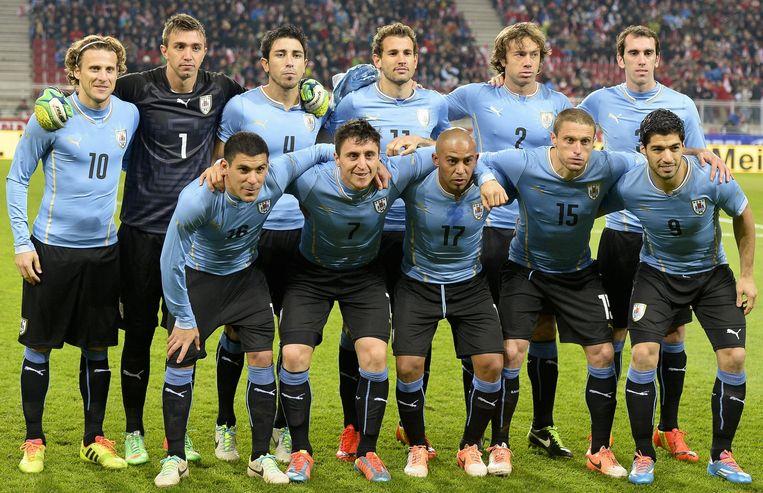 Met lichtblauwe shirtjes gaat Uruguay het WK niet winnen, volgens de evolutionaire psychologie. Beeld epa