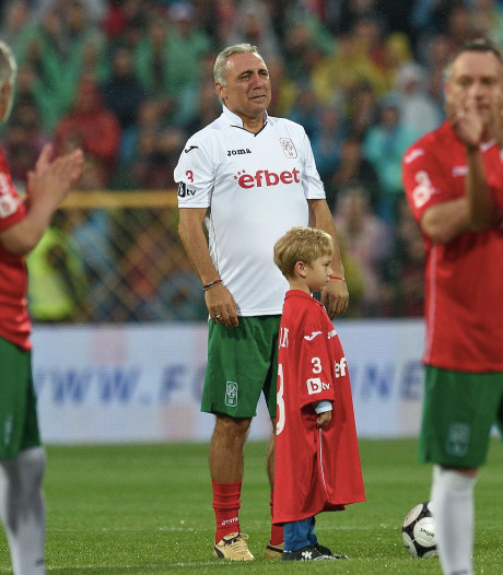 Bulgaarse voetballegende Stoitsjkov in tranen door racisme in thuisland