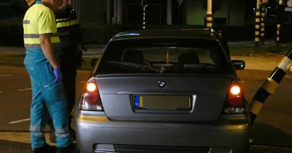 Bestuurder raakt gewond bij botsing tegen verkeerslicht op Takenhofplein.